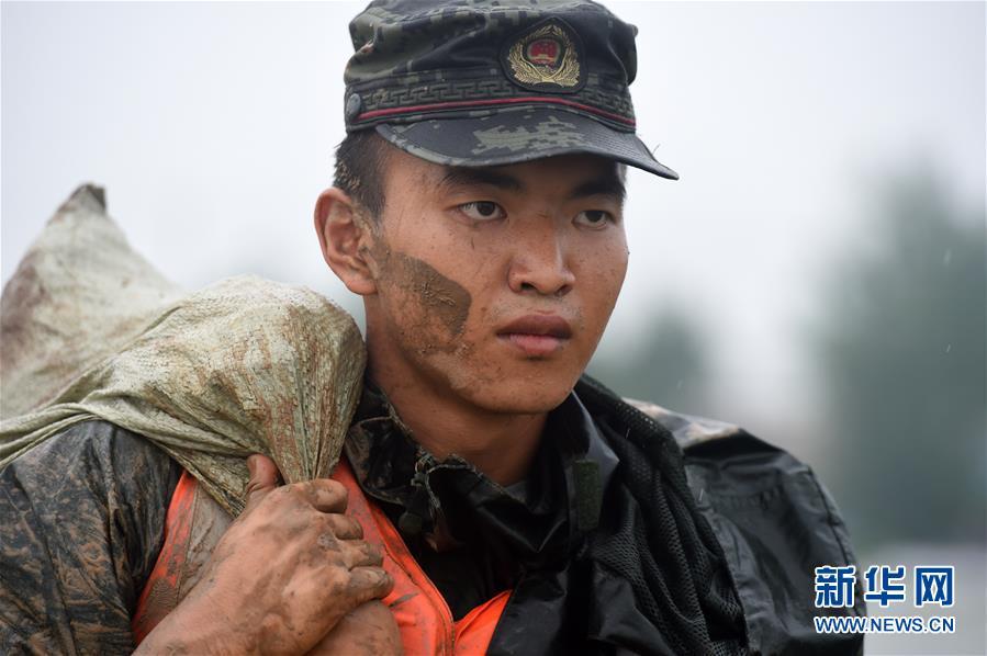 (在习近平新时代中国特色社会主义思想指引下——新时代新作为新篇章·习近平总书记关切事·图文互动)(6)一切为了人民——写在全国防汛救灾取得阶段性重大胜利之时