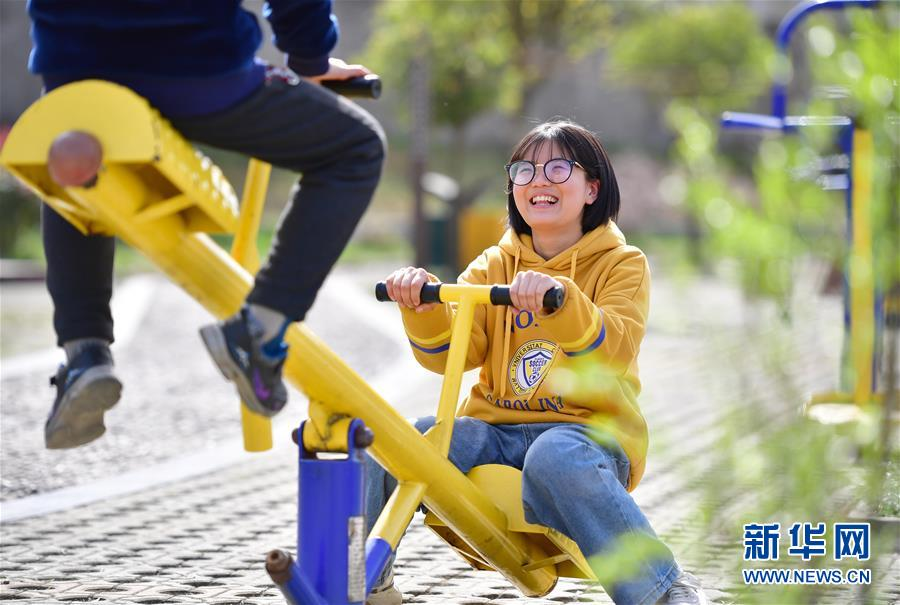 (新华全媒头条·图文互动)(5)奔向新的幸福——陕西贫困县全部摘帽的N个截面